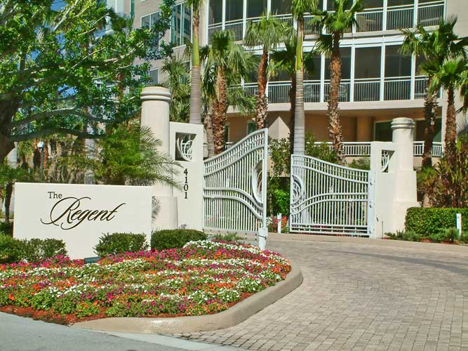 Regent Main Entry - Naples, Florida