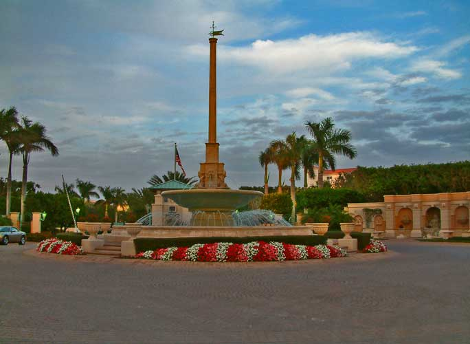 Entry feature monument that leads you into Cape Marco - Marco Island, Florida